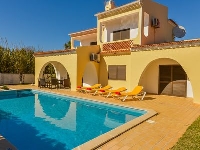 Photo for Villa Palmeiras - 4 bed, 4 bathroom, luxury villa with private pool - Algarve