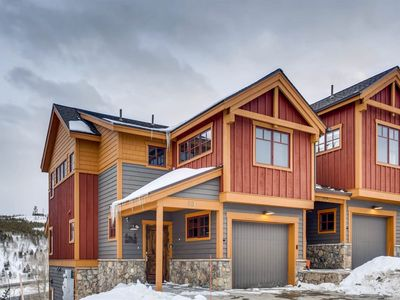 Photo for Scenic Spacious Retreat Overlooking Lake Dillon
