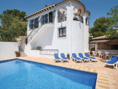 Photo for Hillside villa w/ pool and spacious terrace 3km from shops and beach