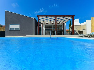 Photo for Villa near Zadar,private pool,full air condition,BBQ