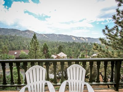 HOT TUB! Views! Close to SLOPES! Lake & Village! Private HOT TUB! Slope Views