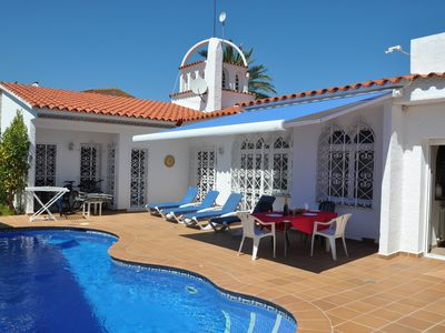 Photo for Lovely 3 bedroom villa with pool, clime, garden, 800m from the beach