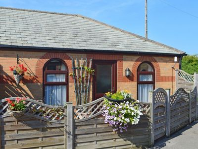 Photo for 1 bedroom property in Cayton. Pet friendly.