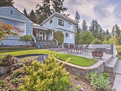 Home on Phinney Bay w/ Mtn Views & Furnished Patio