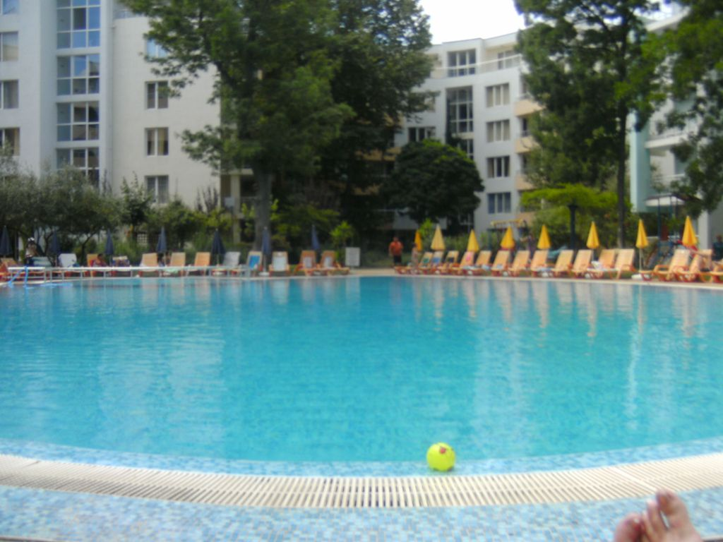 Yassen sunny beach at 20 m sea swimming pool lift park - Sunny beach pools ...