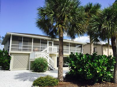 Photo for Great Mid-Island Beach House On Perfect Street, Short Walk To Beach And Bay