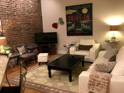Cozy Urban Loft located in the heart of Downtown Bristol
