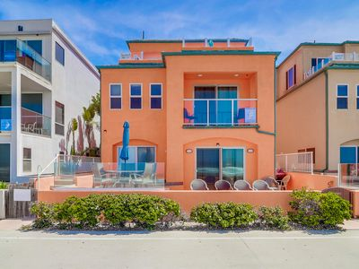 Photo for Oceanfront!! Mission Beach!!  3 Bedrooms 2.5 Baths Sleeps 9