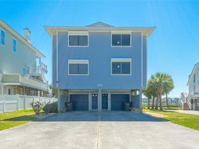 Photo for Tre Sorelle: 3 BR / 3 BA duplex - 1 side in Carolina Beach, Sleeps 6