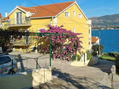 Photo for 3 bedroom Apartment, sleeps 6 in Arbanija with Air Con and WiFi