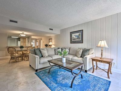 Photo for Beachwood Villa - 3 Minute Stroll to Beach!