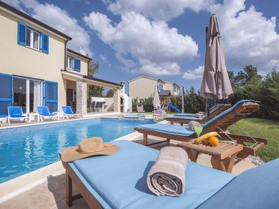 Photo for Stunning villa with sauna, pool, 5 bedrooms, air conditioning, wireless internet, table tennis and great barbecue area