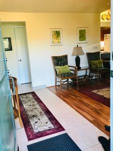 Large entry, new tile, roomy spaces welcome you to enjoy your stay.