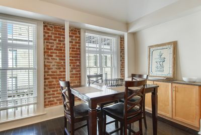 Dining Room overlooking St. Charles Street Car