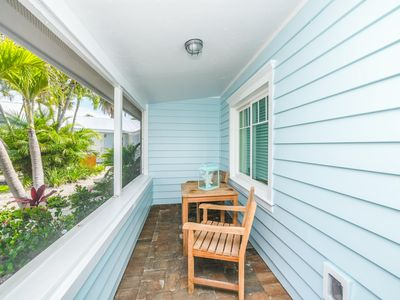 Photo for Tropical Breeze Resort - Full Kitchen. Short Walk to Siesta Key Village and Beach. INCLUDED: Daily Housekeeping, Bikes, 2 Pools/1 Spa, Beach Chairs, Beach Towels, WiFi, Parking , Games, BBQs and More!