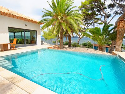 Photo for Luxury villa, feet in the water with direct access to the sea, swimming pool, air conditioning