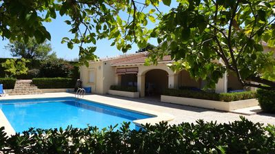Large 3 bedroom villa with pool, air con & wifi. beautiful gardens.