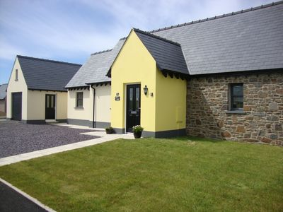 Photo for SPACIOUS BUNGALOW, 10mins to  Newgale beach and  coast path, garden and parking