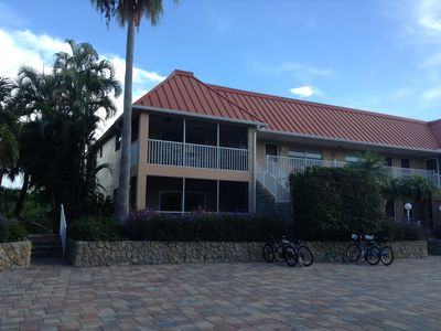 Photo for Paradise Awaits!  Two Bedrooms, 2 Baths. Canal View.