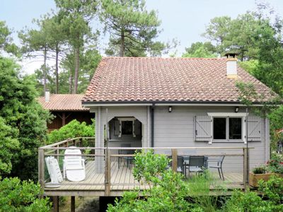 Photo for Vacation home l'Escouarte (MAU170) in Maubuisson - 8 persons, 4 bedrooms