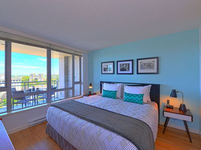 Photo for Perfect Location - Free WI-FI, N. America LD, Parking, 2 blocks to Inner Harbour