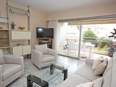 Photo for East-West crossing apartment,secure, parking,Wifi. Quiet street, 2 large terrace