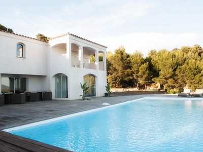 Photo for Villa Bandol Sea and countryside view Free WIFI, Golf 5mn
