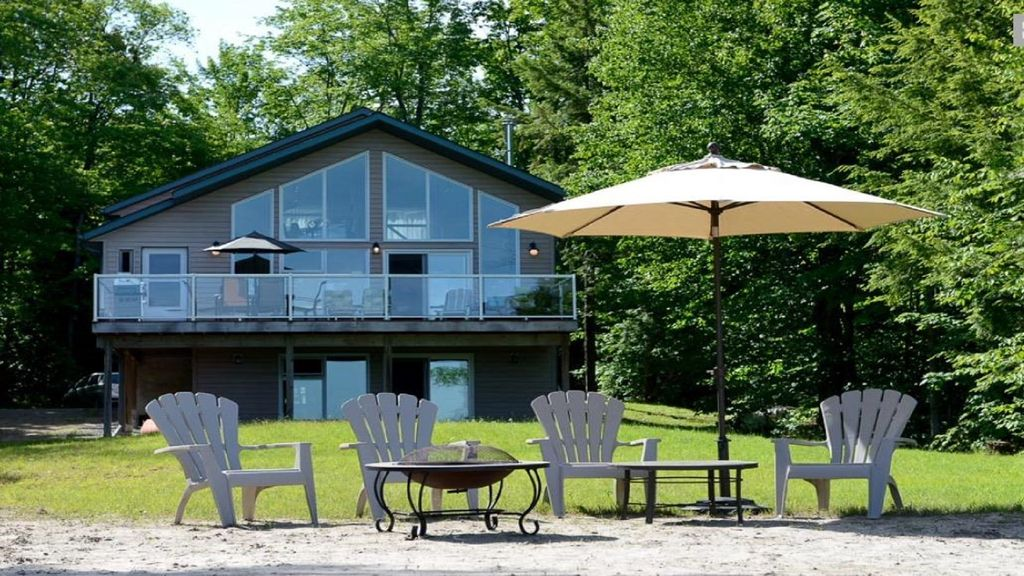 Private Muskoka Cottage Fully Booked for Summer Book Now for Fall