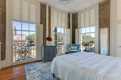 Washington Square Suite with View to the Park