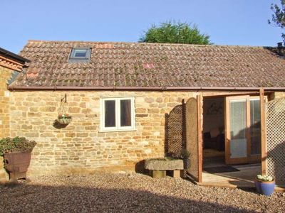 Photo for PAGETTS COTTAGE, pet friendly in Stoke Albany, Ref 28499