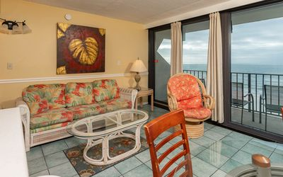 Photo for Island Winds 1 Bedroom *BeachFront*