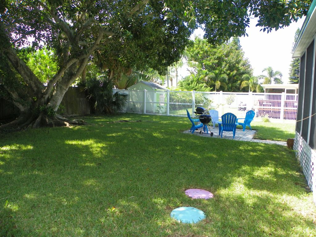 2 Bed 1 Bath Near Beach Pet Friendly And Affordable