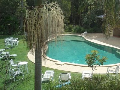 Photo for Treetops Lakeside Apartment - quiet complex with pool close to town + free wifi