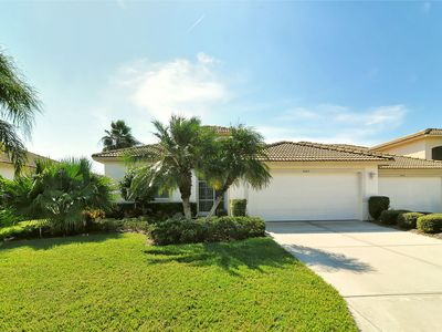 Photo for Heritage Oaks 2 bedroom 2 bath villa with a private pool and view of the course!