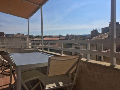 Photo for Apartment Town Center - Terrace view Sainte Victoire / Air conditioning