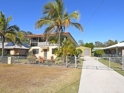 Photo for Highset home with 3 bedrooms + wall bed(1Q), sleeps 8
