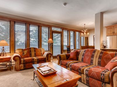 Photo for Luxury Condo with Mountain Views, Pool, Hot Tubs, walk to Lionshead Gondola