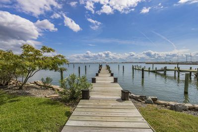 100' private dock included in rental