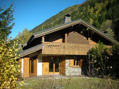 Photo for Idyllic situated chalet apartment at the foot of Mont Blanc