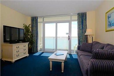 Photo for Bay Watch PH14, 1 Bedroom Beachfront Condo, Hot Tub and Free Wi-Fi!