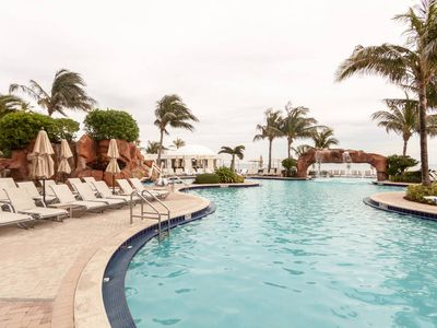 Photo for LOWEST RATE! 1 Bedroom @Trump Resort #65