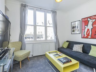 Photo for Immaculate, airy flat in fantastic location.  Central Islington, Central London