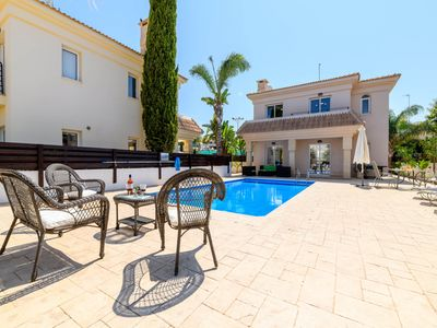 Villa Nadja - An exquisite 3 bedroom villa with private swimming pool