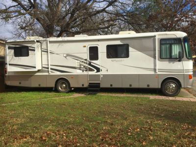 Photo for Cozy, Fun, Double Slide - Large RV just 7 miles from the DFW Airport!