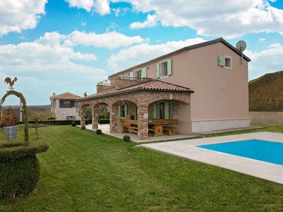 Photo for Nice, detached villa for 4 persons with pool and beautiful panoramic view