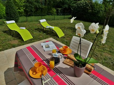 Photo for Le Sud-Sarlat: 2 people ground floor apartment, garden Peaceful, terrace ansd parking-