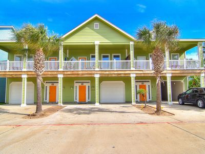 Photo for Upscale townhome right in the heart of Port Aransas! Community pool!