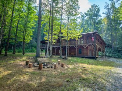 Photo for Upper Creek Lodge near Table Rock Mtn Offers Wilderness Views & Private Retreat