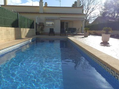 Photo for CASA CLAUDINE, Ideal house for your holidays near the sea, free wifi, air conditioning, private pool, pets allowed, dog's beach.