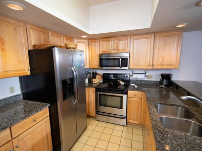 Photo for 3Br Ski-in, Ski-out - Sleeps 10 and Remodeled Kitchen